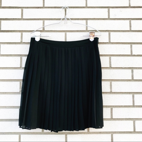 4b3df40390 LOFT Dresses & Skirts - LOFT Black Accordion Pleated Skirt
